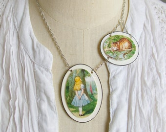 Alice in Wonderland Necklace with the Cheshire Cat Statement Fable Story Book Lover Art Jewellery for Women Girls Unique Image Classic Book