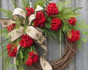 Red Wreath, Spring / Summer Wreath, Bumble Bee Geranium Wreath, Burlap Red Decor, Realistic Flower Spring Wreath, Horn's Handmade, Spring