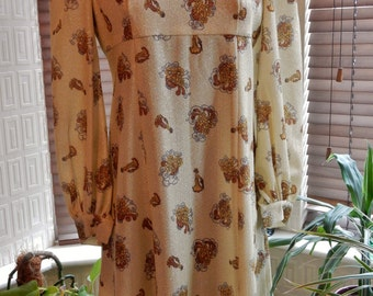 Pretty vintage 1960s 1970s babydoll sparkly party lurex floral mini dress
