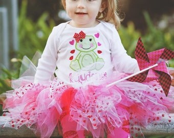 Valentines Day Outfit - Baby Girl outfit - Hoppy Kisses - tutu outfit with pixie style tutu frog theme