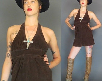 vintage 70s brown suede hippie mini halter dress // boho dress // sundress