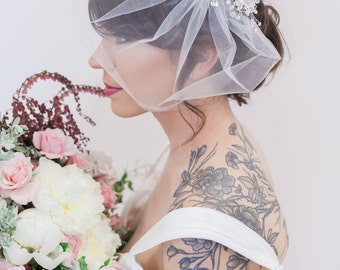 Gold crystal Bridal Headpiece, Wedding Hair Accessory, Pearl and Crystal Bridal Hair Piece, Crystal beaded head piece, Wedding Hair