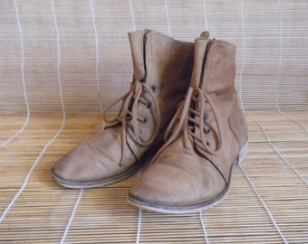 Vintage Lady's Tan Brown Leather Lace Up Ankle Boots Size EUR 38 / US Woman 8
