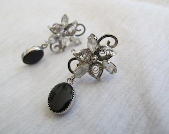 Sterling silver filigree screwback earrings with black stone / Rhinestone filigree earrings / Screw Back sterling earrings