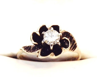 Gorgeous Vintage Diamond Solitaire Enamel Ring in 14K Yellow Gold