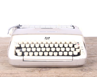 Vintage Smith Corona Galaxie Typewriter / Working Electric Typewriter / Antique Typewriter / Vintage Typewriter Decor Prop Display