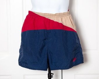 90s NIKE Men's Nylon Swim Trunks - drawstring mesh lining pockets - L