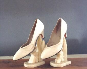 Vintage 80's Bone Leather Heels Sz 8.5