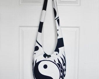 Hobo Bag Boho Bag Sling Bag Hippie Purse Crossbody Bag Hobo Purse Hippie Bag Yin Yang Tapestry Black and White Handmade Yin Yang Bag