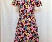 1960's Mod Floral Mini Shift Dress // Short Sleeve // XS / S