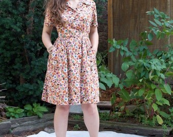 Vintage 60s Day Dress - Multi-Color Daisy Pattern Belted MED