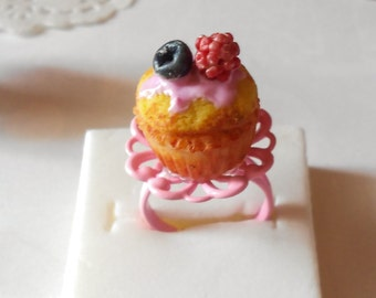 Raspberry cupcake ring - mini food to wear - handmade miniature polymer clay food jewelry