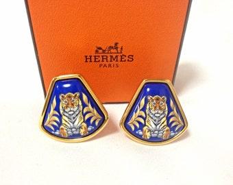 MINT. Vintage Hermes cloisonne golden earrings with tiger design in blue. Fan shape. Classic jewelry. Great gift idea