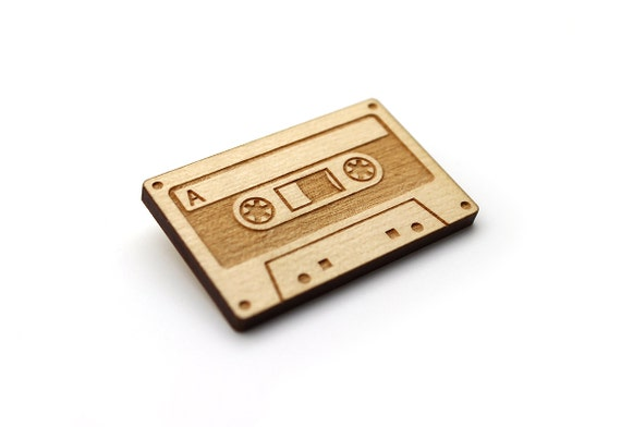 Audio tape brooch - audiotape pin - retro geek jewelry - vintage nerd jewellery - lasercut maple wood - engraved accessory - customizable