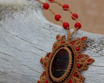 Renaissance macrame tiger eye necklace