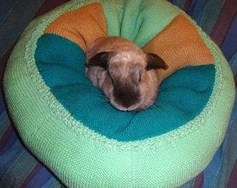rabbit bed extra plump Ugli Donut for a medium size bunny