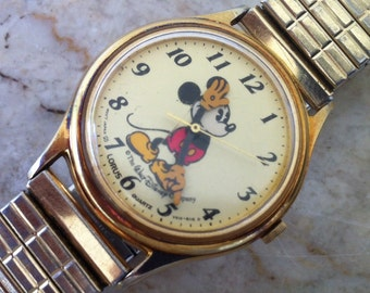 Mickey Mouse Watch, Lorus by Seiko, V515-6118 O, Pale Yellow Dial, Yellow Shoes & Yellow Gloves, Character Vintage Disney MMW FREE SHIPPING