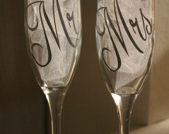 Mr. and Mrs. Champagne Flutes- Set of 2/Bride and Groom Glasses/Wedding Toasting Glasses/Anniversary Glasses/Add Wedding Date