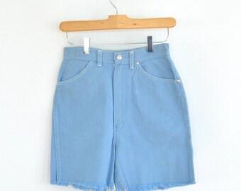 Light Blue Wrangler Jean shorts // High-Waisted // Sanforized // Frayed (Size 2/3)