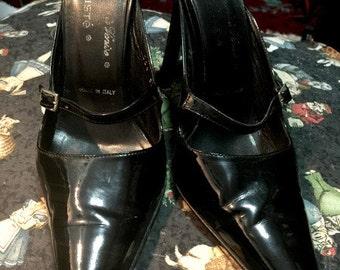 90s  Kallisté patent leather stiletto mules