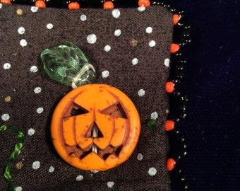 Patty pumpkin pin brooch
