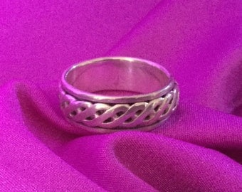 Mens Sterling Silver Ring with Revolving Rope Braid