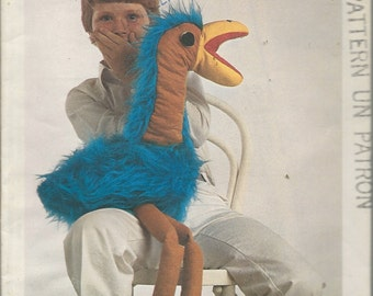 "Vintage Sewing Pattern - ROD HULL'S EMU - Famous Puppet - c. Hibou Productions Ltd. - 1976 - Size Approx. 40"" high -"