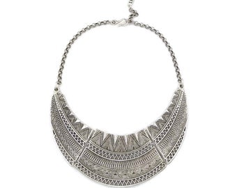 Silver Metal Linked Geo Tribal Necklace