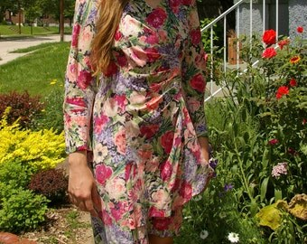 Gorgeous 80's Silk Floral Dress- Long Sleeved Fitted Dressy Dress