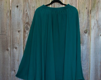 1980s Vintage Flowy Forest Green Skirt