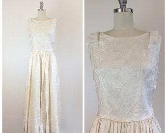 50s Buttercream / Cream / Floral Brocade Wedding Dress / 1950s Vintage Floor Length Bridal Gown With Velvet Trim / Medium / Size 8