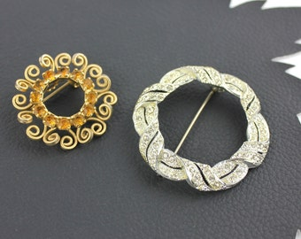 Vintage Rhinestone Wreath Pin Brooch Set