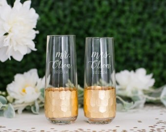 Personalized Gold Leaf Stemless Champagne Glasses - (Set of TWO) Custom Engraved Barclay Gold Toasting Flutes - Wedding Anniversary Gift