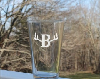 personalized pint glasses, pint Glass, Etched Pint Glass,monogram pint glass, pilsner glasses,  Etched, Etched Pint Glass, Etched Pilsner