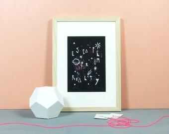 Escape from Reality | Linoldruck, Druckgrafik, Linolschnitt, Linoleum, Sterne, Universum, Kosmos, Druck, A5, Knallbraun, Grafik, limitiert