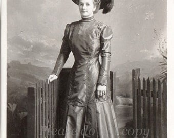Real Photo Postcard ~  Victorian Lady ~ RPPC ~ vintage photo