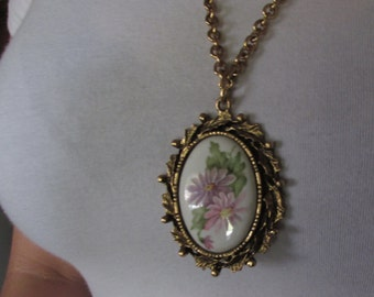 PENDENT NECKLACE, BRASS Porcelain Cameo