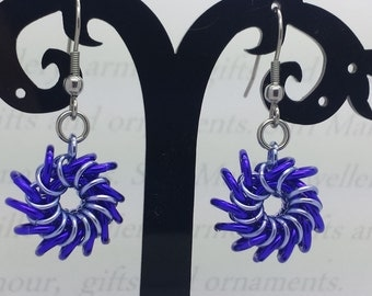 Chain maille Whirlybird earrings - Purple and lavender