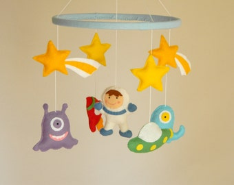 Space Baby Mobile , Aliens Mobile, Monsters mobile, Aliens and Rockeship Mobile , Felt mobile, Nursery Monster ,  Pick your colors