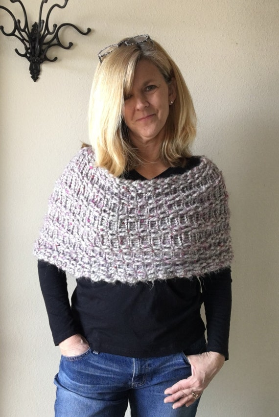 Simple Capelet - a loom knit pattern