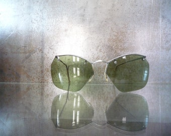 Industrial vintage 1940 1950 Aviator glasses green glass and metal