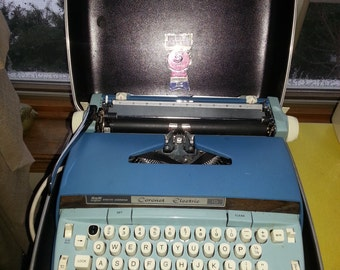 """Vintage Smith Corona """"Coronet Electric"""" Turquoise Electric Typewriter with Original Carrying Case"""