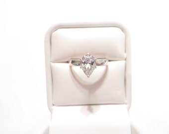 Lovely 2CT Cubic Zirconia Sterling Silver Solitaire Ring