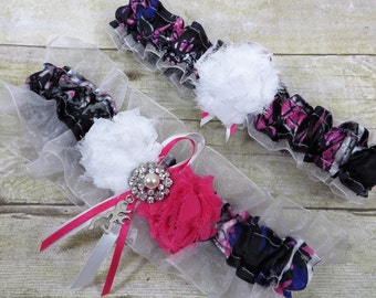 Muddy Girl Garter, Pink Camo Garter Set, Country Wedding, Keepsake Garter, Toss Garter, Camo Wedding, Black Garter, Prom Garter
