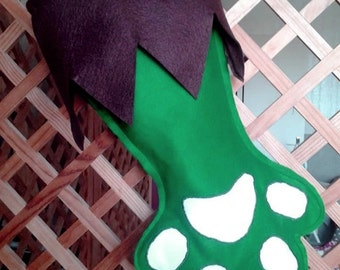 Christmas green and brown felt boot shaped cat's paw