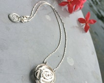 Sterling silver PUFF choker. Delicate short necklace ideal for everyday office attire.