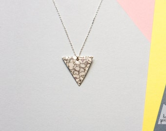 "Necklace ""Triangle"" Les genereuses"