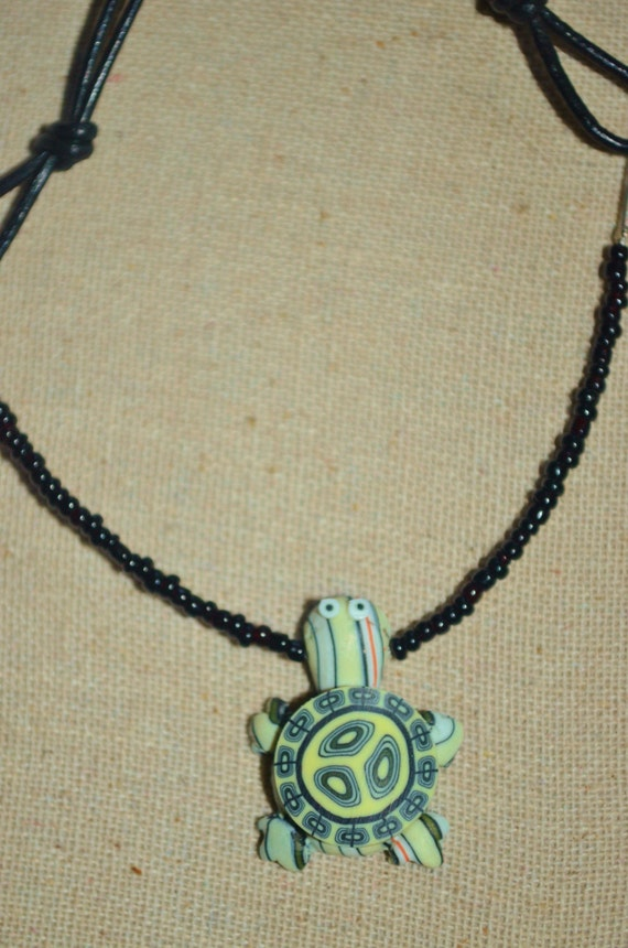 Necklace Turtle on Leather, Turtle Necklace, Leather Turtle Choker, Sea Turtle Necklace, Beaded Turtle Necklace, Sea Turtle Choker, Turtle