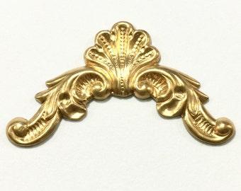 Gold Metal Embellishment Filigree Corners (12 pcs)