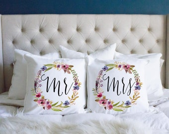 Wedding Gift, Mr And Mrs, Pillows, Throw Pillow, Anniversary Gift, Gift for Couple, Bridal Shower, Couples Pillows, Pillow Set, His and Hers